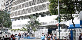 Hospital JM de los Ríos sin agua potable ni insumos