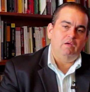 Carlos Correa - Espacio Público