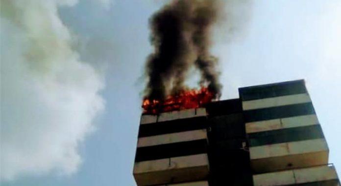 Un incendio detruyó cuatro apartamentos en Puerto La Cruz