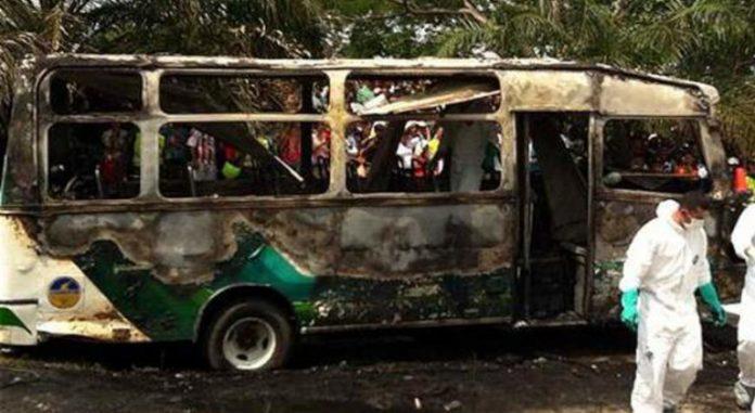 El autobús iba en dirección a Cali cuando explotó, matando a sus siete ocupantes