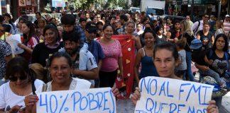 Argentinos marchan contra el FMI