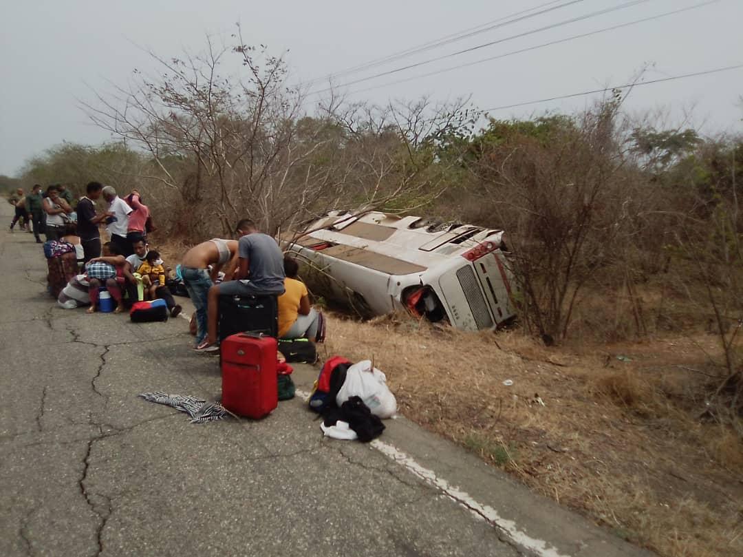 Actriz Porno Fallecida Accidente accidente en la lara-zulia dejó 2 muertos y 16 heridos
