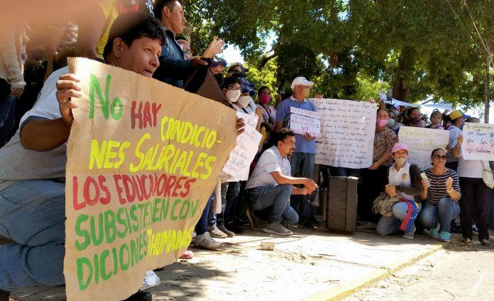 Machiques maestros protesta