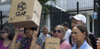 Protesta-por-caja-CLAP-Plaza-Brion-