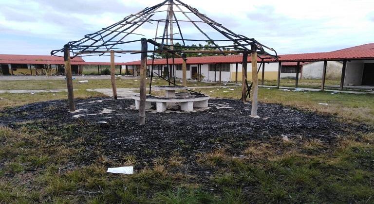 Robos y vandalismo en el Liceo San José Mirabal de Puerto Ayacucho escuelas