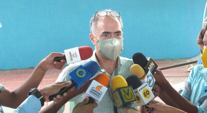 Roberto Picón rector CNE